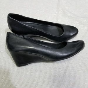 Ecco Black Leather Classic Wedges SZ 39 / 8.5